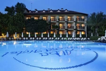 Invia – Alba Resort Hotel,