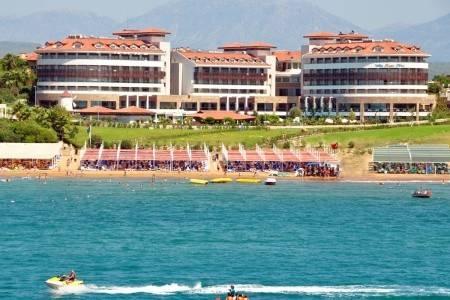 Invia – Alba Royal Hotel,