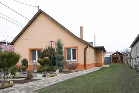 Invia – Apartmánový Dům Veľký Meder 5170_1, Južné Slovensko