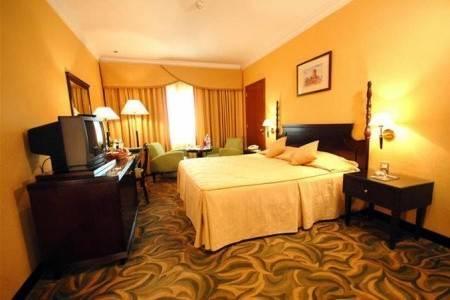 Invia – Carlton Tower Hotel Dubai,
