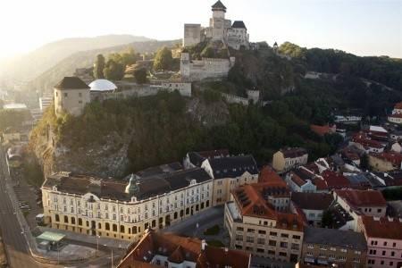 Invia – Elizabeth – Trenčín, Trenčín