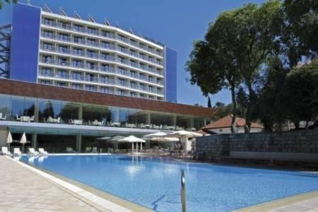 Invia – Grand Hotel Park,