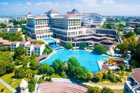 Invia – Horus Paradise Luxury Resort A,