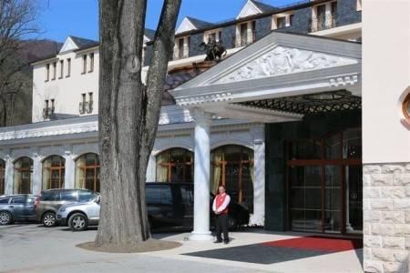 Invia – Hotel Aphrodite Palace,
