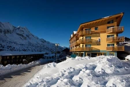 Invia – Hotel Delle Alpi, Tonale/Ponte di Legno