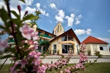 Invia – Hotel Hotel Aquatherm, Zalakaros, Balaton