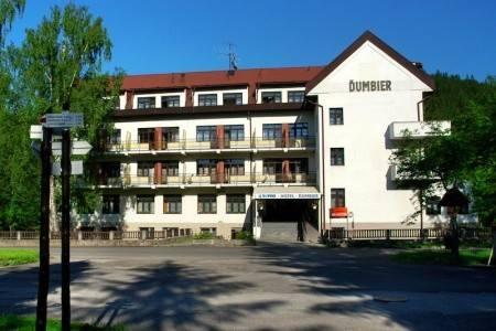 Invia – Hotel Hotel Ďumbier, Liptovský Ján,