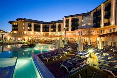 Invia – Hotel Lotus Therme & Spa,