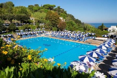 Invia – Hotel Oasi & Parco Termale Castiglione, Ischia