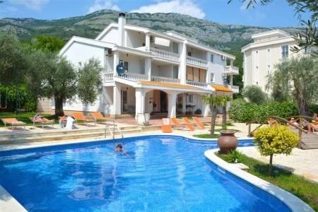 Invia – Hotel Ponta Club – Dotované Pobyty 50+,