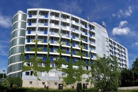 Invia – Hotel Répce,