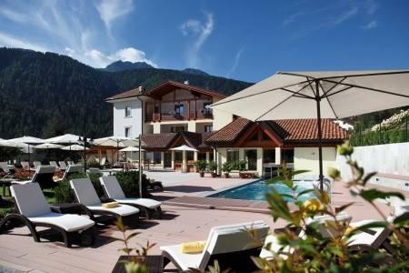 Invia – Hotel Salvadori ****, Dolomiti Brenta (Val di Sole)