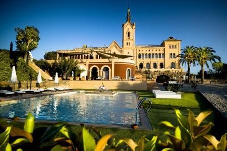 Invia – Hotel Sant Pere Del Bosc,