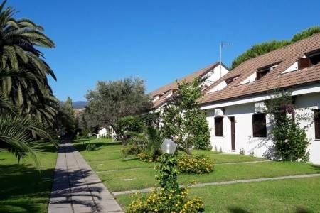 Invia – Nausicaa Village – Rodinný Pokoj, Kalábria