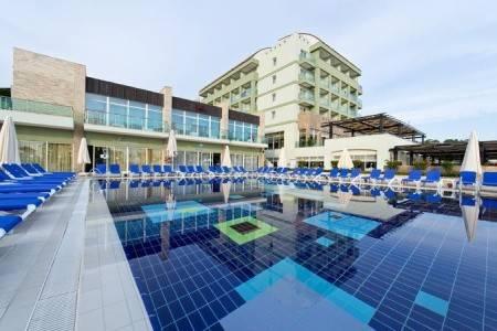 Invia – Sealife Buket Beach Hotel,