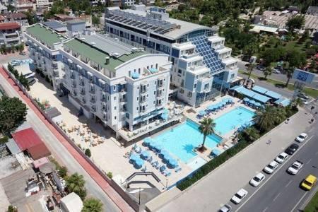 Invia – Sealife Family Resort, Antalya