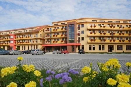 Invia – Wellness Hotel Patince, Južné Slovensko
