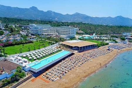 Invia – Acapulco Resort Convention & Spa Hotel, Cyprus