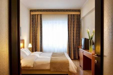 Invia – Achilleas Hotel,