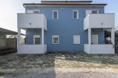 Invia – Apartments Bosnjak,