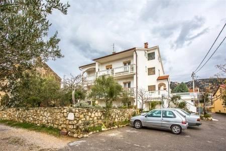Invia – Apartments Marija,