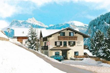 Invia – Hotel Mesavia, Val Gardena