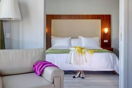 Invia – Polis Grand Hotel,