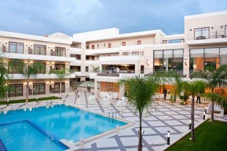 Invia – Porto Platanias Beach Resort, Kréta