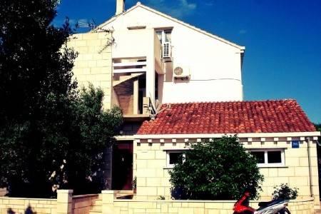 Invia – Ubytování Lumbarda (Korčula) – 12839,