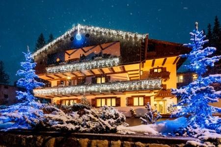 Invia – Hotel Lajadira – Polopenze, Cortina d´Ampezzo