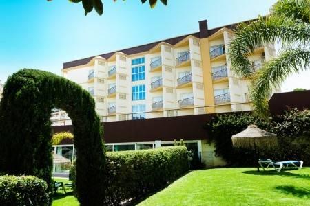 Invia – Hotel Monarque Cendrillon,