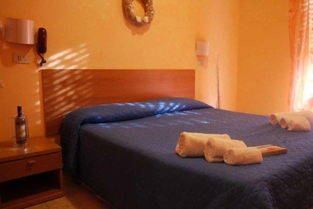 Invia – Hotel Villa Del Bagnino, Rimini
