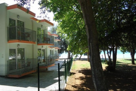 Invia – Centinera Resort,