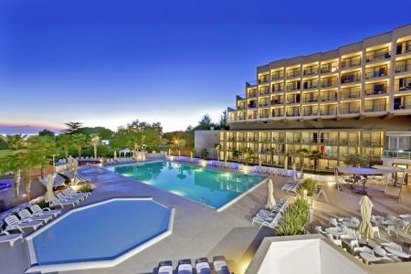 Invia – Hotel Materada Plava Laguna,