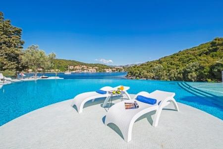 Invia – Hotel Port 9, Korčuľa