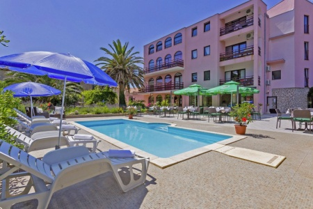 Invia – Hotel Villa Stari Dvor, Severná Dalmácia