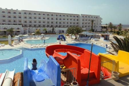 Invia – Palmyra Holiday Resort & Spa,