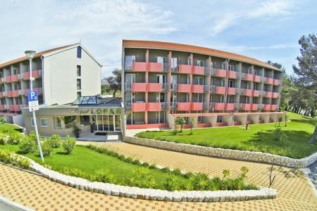 Invia – San Marino Sunny Resort By Valamar – Hotel Lopar,
