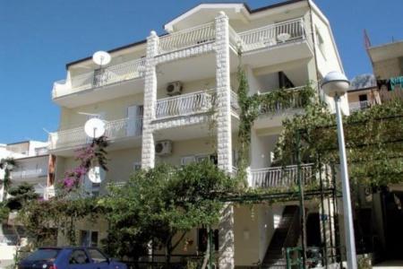 Invia – Vila Neda, Makarska