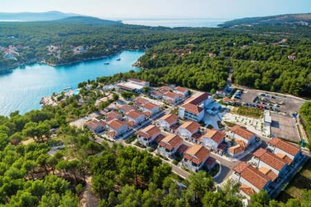 Invia – Waterman Milna Resort, Brač