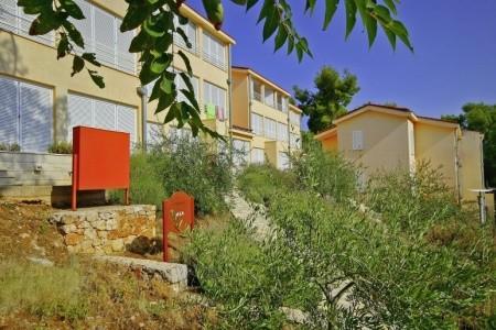 Invia – Adriatiq Resort Fontana, Hvar