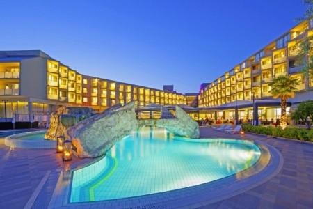 Invia – Aminess Maestral Hotel,
