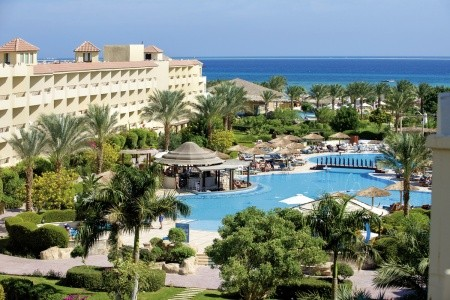 Invia – Amwaj Blue Beach Resort,