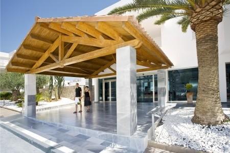 Invia – Aparthotel Ferrera Blanca,