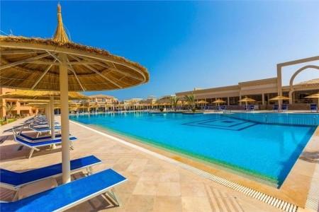 Invia – Aqua Vista Resort & Spa,