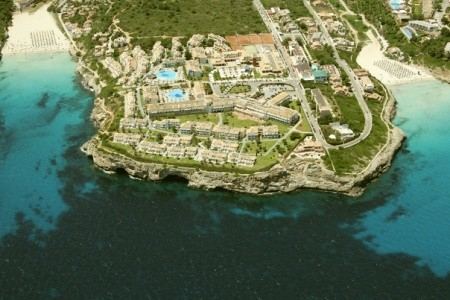Invia – Blau Punta Reina Resort,