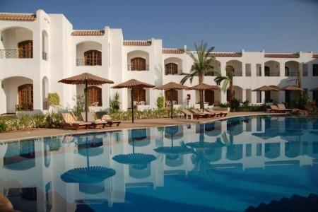Invia – Coral Hills Resort,