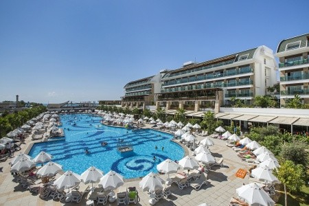 Invia – Crystal Waterworld Resort & Spa, Belek