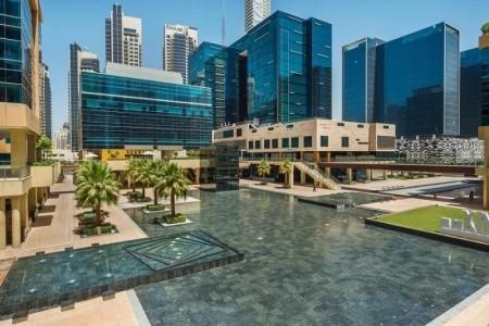 Invia – Doubletree By Hilton Dubai – Business Bay,