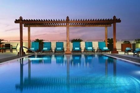 Invia – Hilton Garden Inn Dubai Al Mina, Dubaj